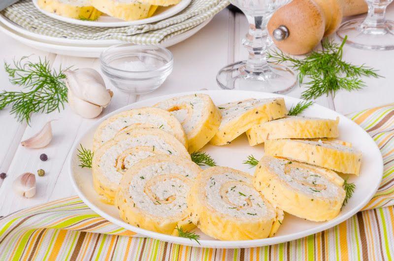 Рулет из плавленного сыра с начинкой